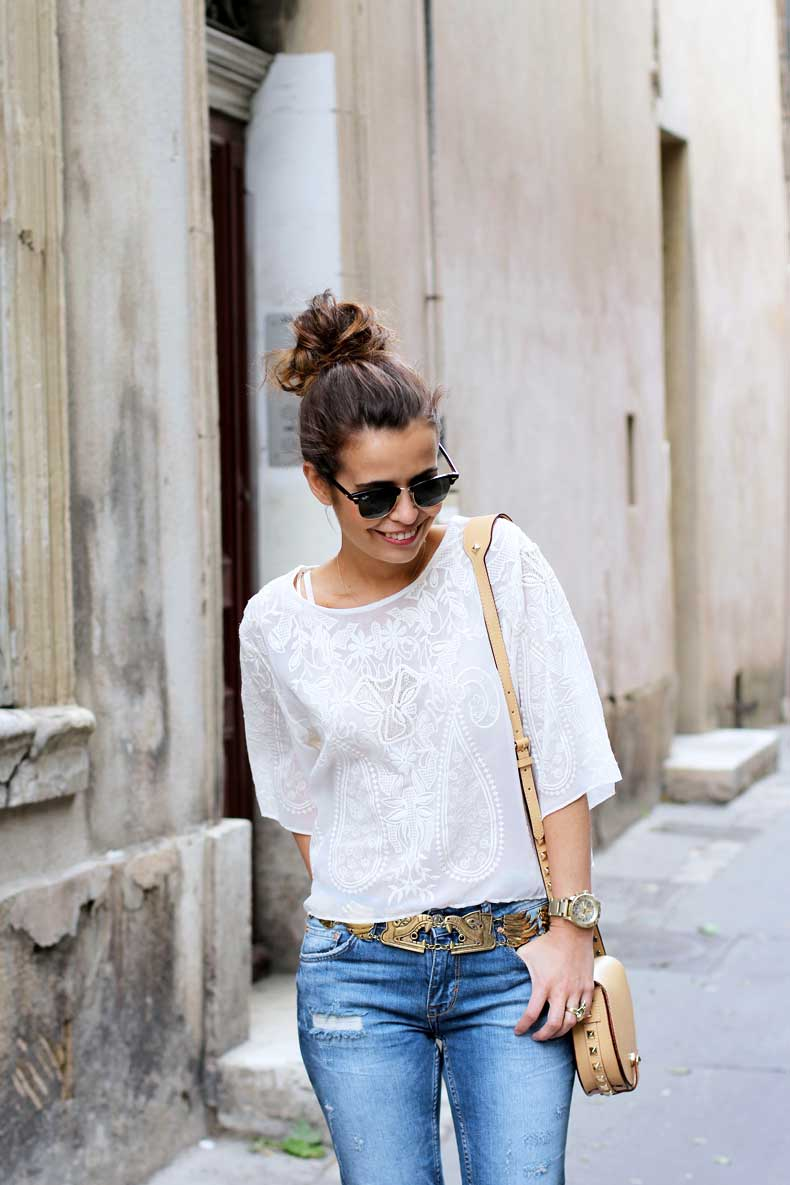 Blouse,Ripped_Jeans,Lace_Sandals,Rebecca_Minkoff_Bag,Street_style,Outfit,15