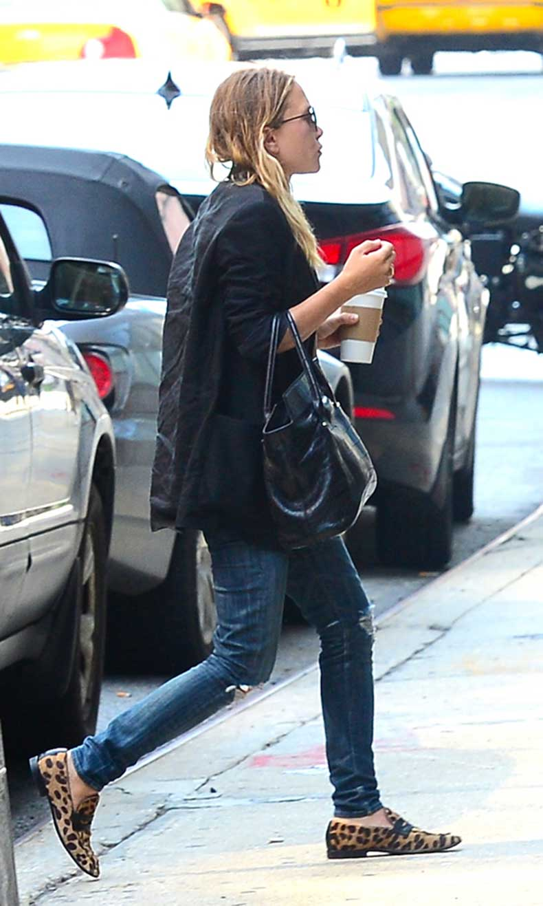 Olsens-Anonymous-Blog-Mary-Kate-Olsen-Low-Key-Casual-Nyc-Soho-Leopard-Loafers
