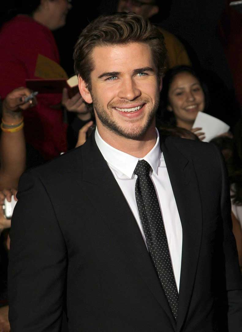 liam-hemsworth-premiere-the-hunger-games-catching-fire-01