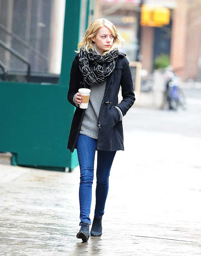 Emma-Stone-took-walk-wet-streets-NYC-black-toggle
