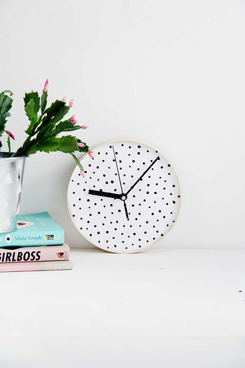Design-Sponge-Spotted-Clock-2-500x750
