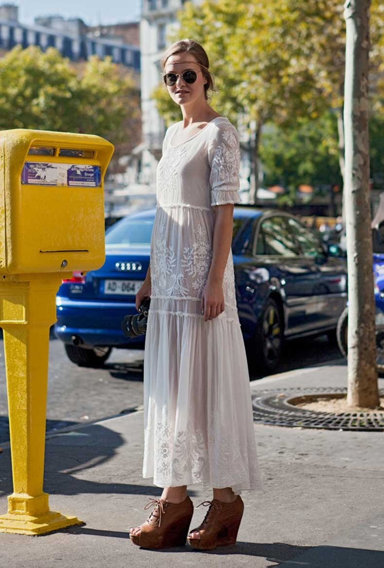 Street-Style-White-Eyelet-and-Lace-2