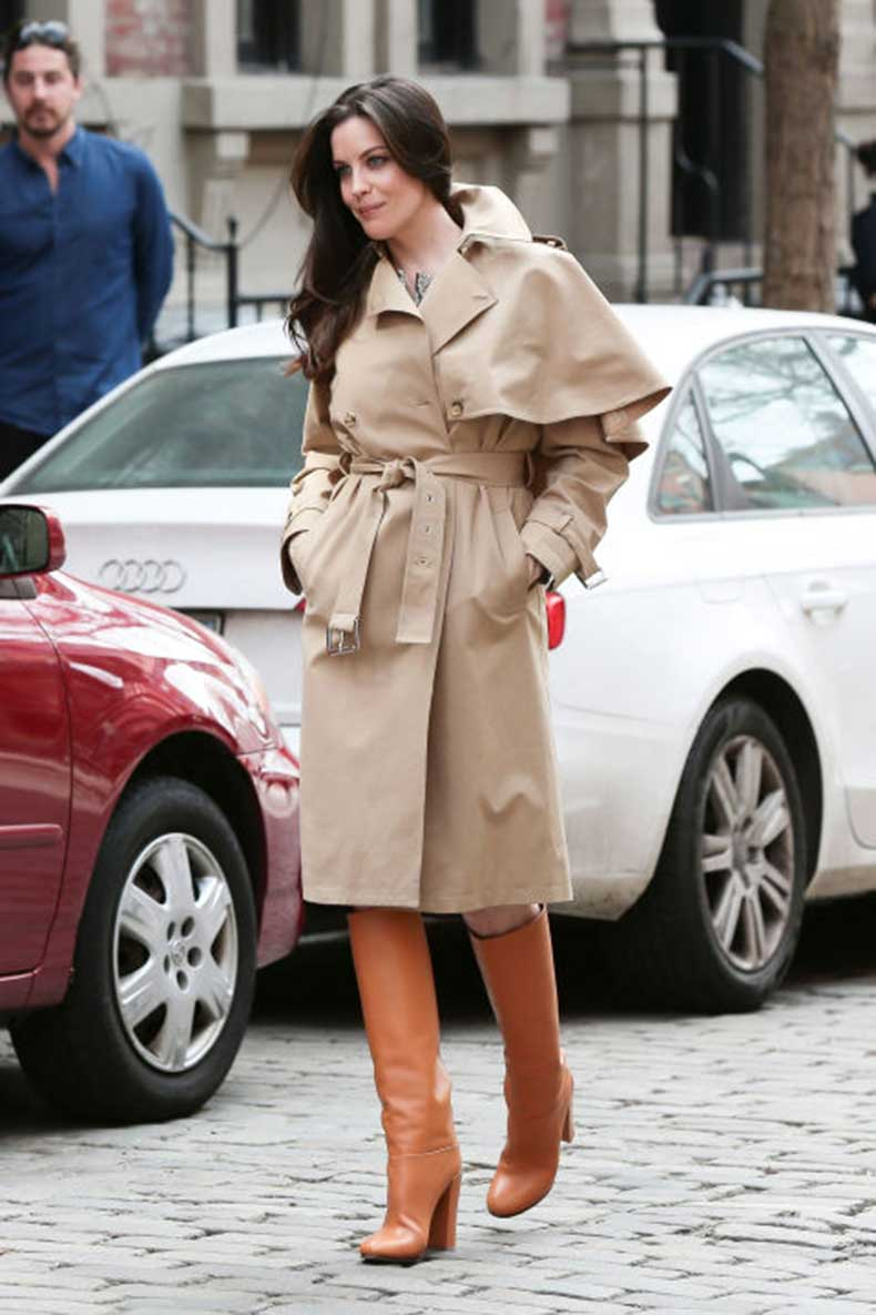 elle-33-liv-tyler-trench-coat