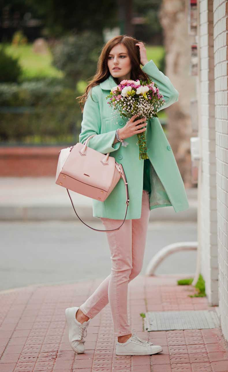 viktoriya-sener-fashion-blogger-from-istanbul-wearing-mint-romwe-coat-rebecca-minkoff-pink-bag-mr-gug-tshirt-street-style-(4)
