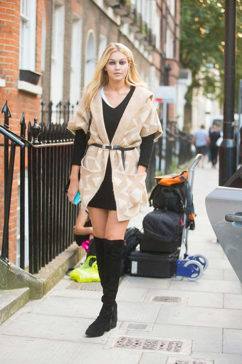 Fashion-Week-London-Gigi-channeled-downtown-vibe