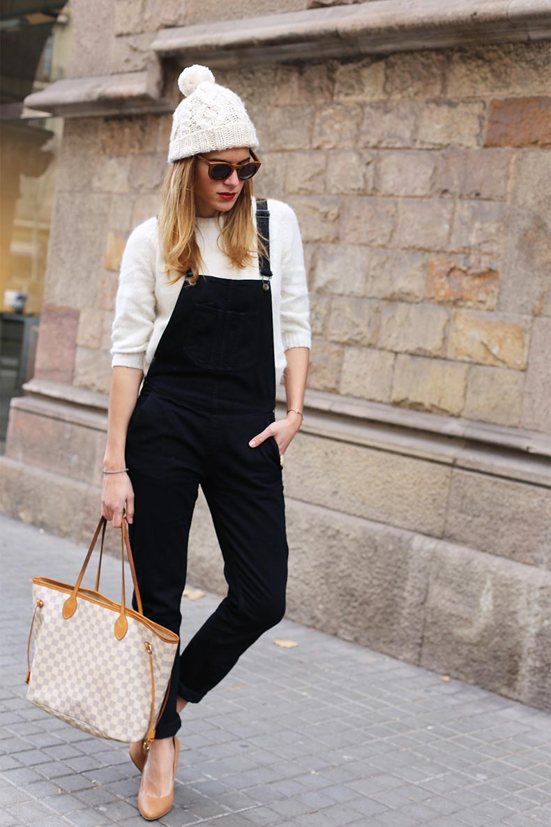 black-jumpsuit_Black-and-white_Street-Style