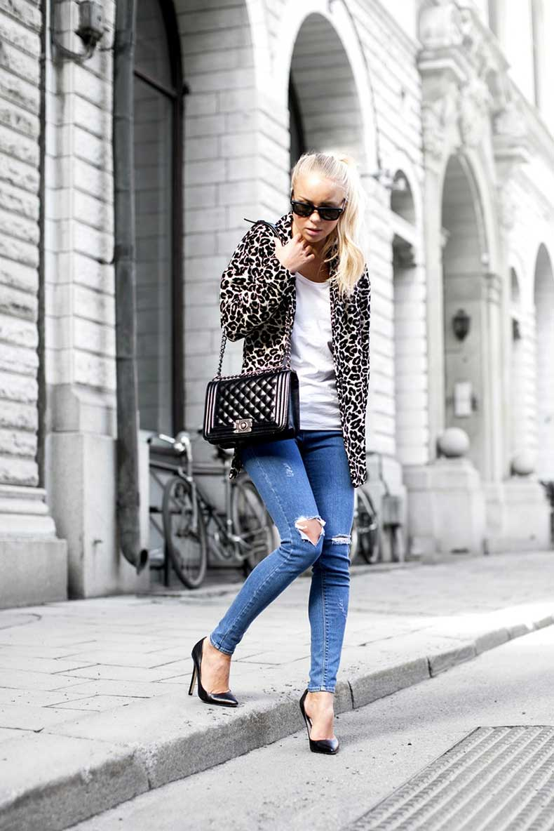 4.-animal-print-coat-with-casual-outfit