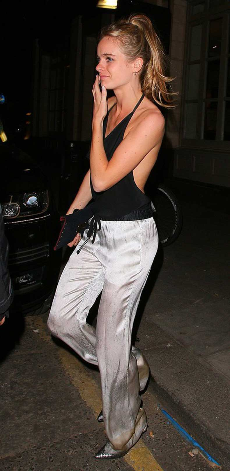 Cressida-Knows-When-Tie-Up-Her-Hair-End-Night