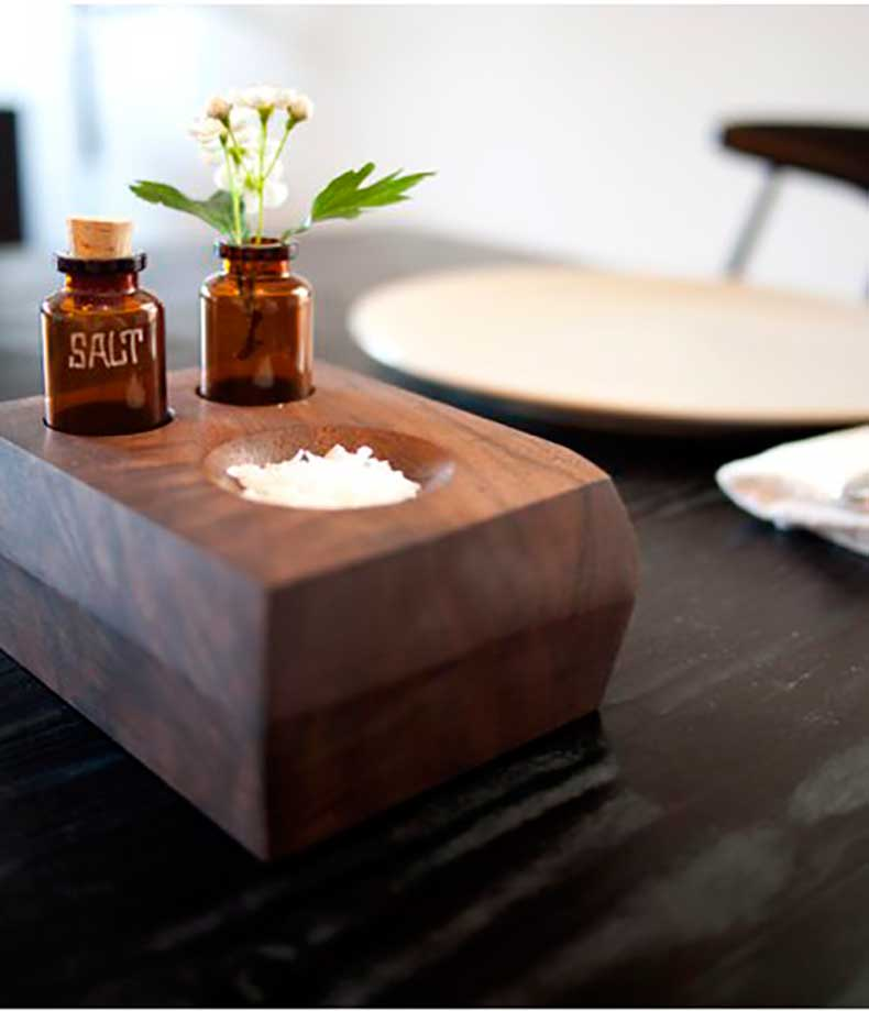 salt-dish-bud-vase-would-amazing-hostess-gift