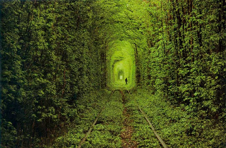 01_Tunnel-of-love-Ukraine