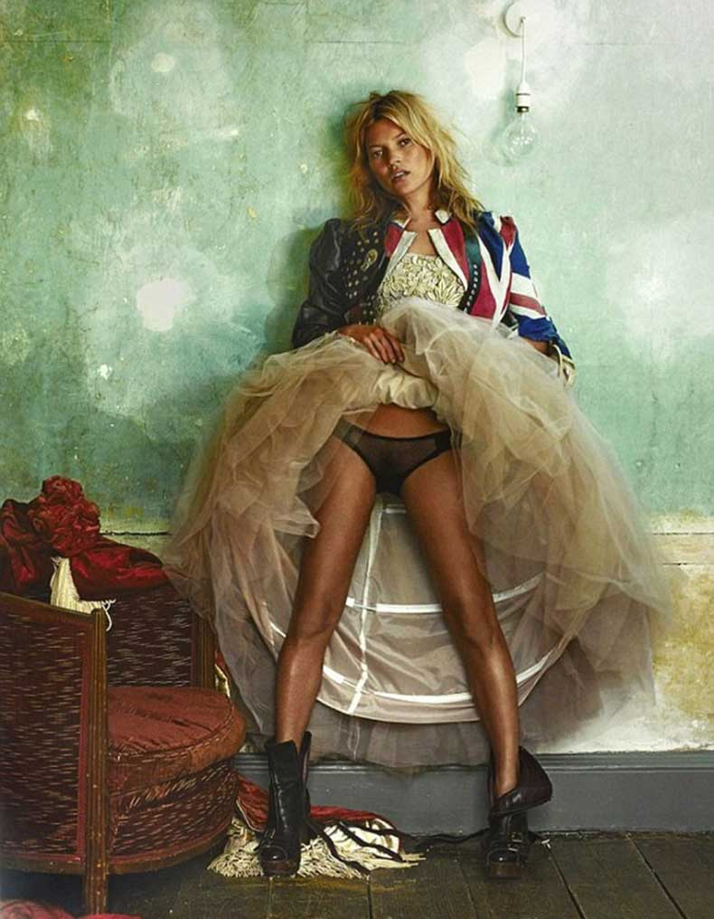 kate-moss-has-revealed-her-favorite-photos-of-herself-1527344.640x0c