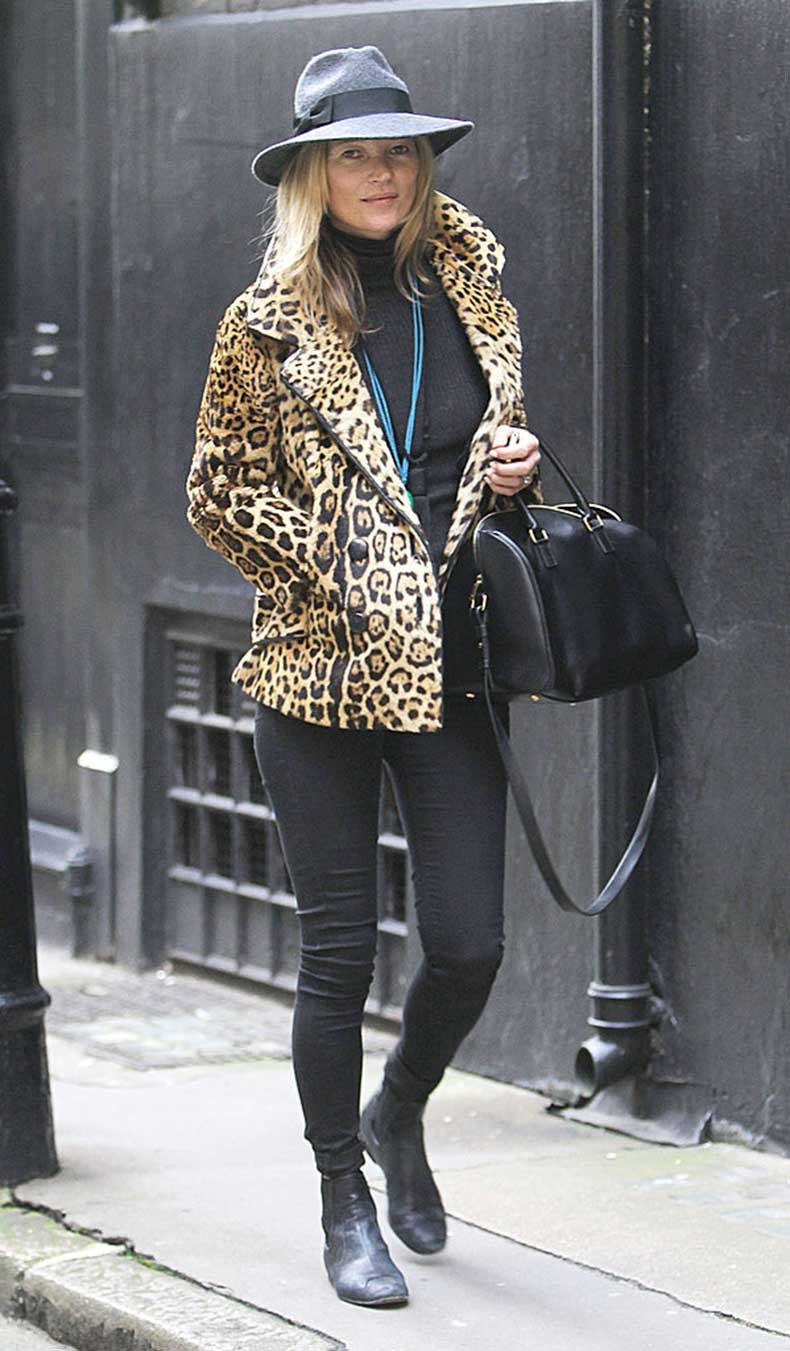 Behold-quintessential-Kate-Moss-look-leopard-coat-black