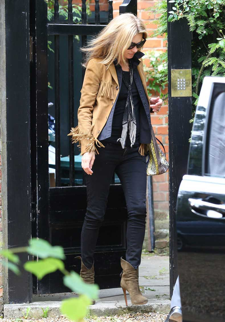 Kate-Moss-added-major-bohemian-cool-flair-her-London-look-via
