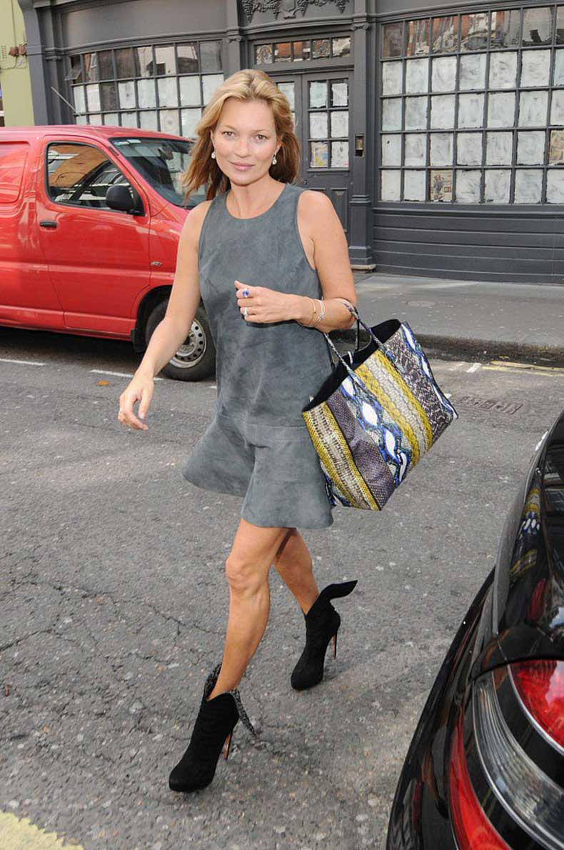 Kate-Moss-ditched-her-signature-skinny-jeans-more-feminine-gray