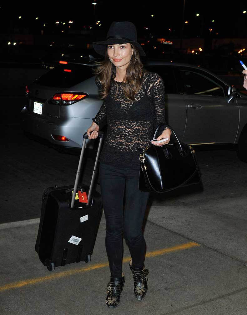 Lily-Aldridge-brought-sexier-style-airport-sheer