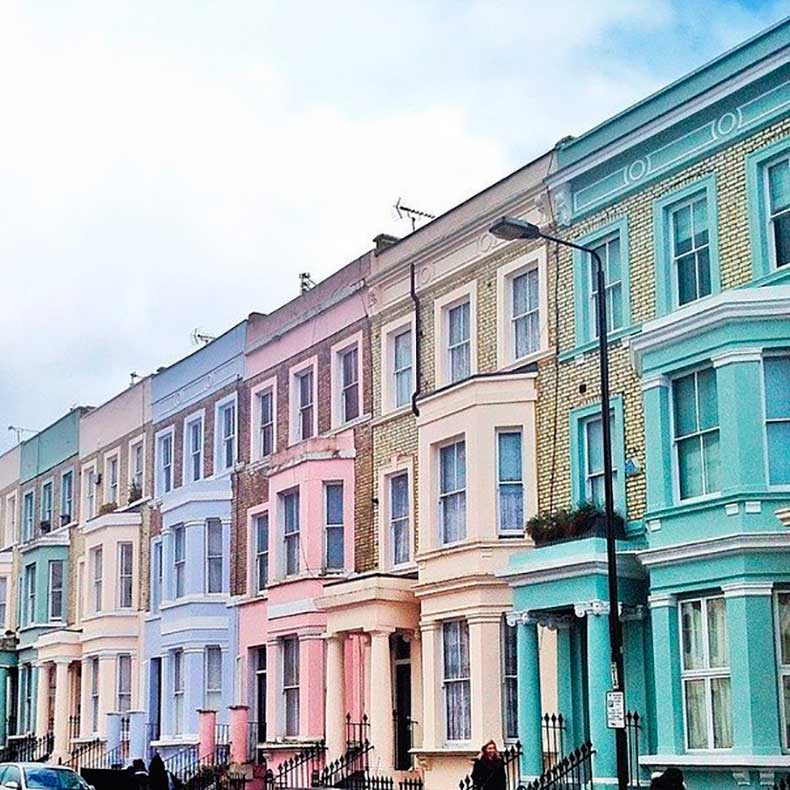 notting-hill-pastel-houses