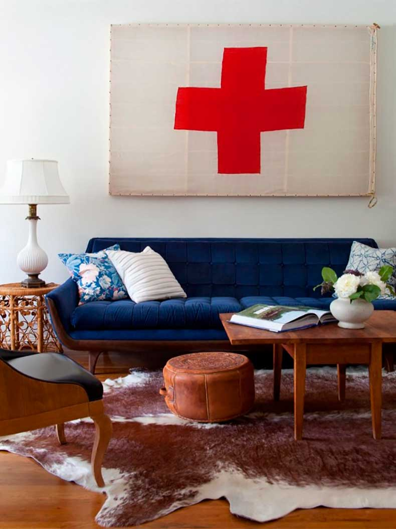 HDSW1_living-room-blue-couch_s3x4.jpg.rend_.hgtvcom.1280.1707-640x854