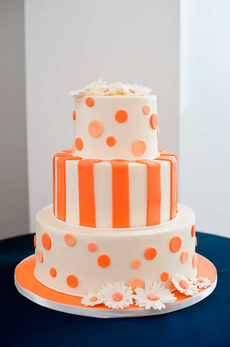 Modern-meets-mod-playful-orange-cake
