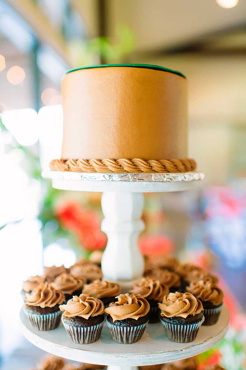 One-tiered-cakes-shouldnt-ruled-out-your-big-day
