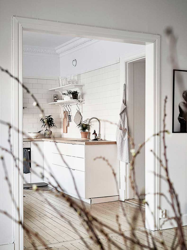 Oracle-Fox-Sunday-Sanctuary-Detail-Oriented-Black-and-white-Scandinavian-Interior-25