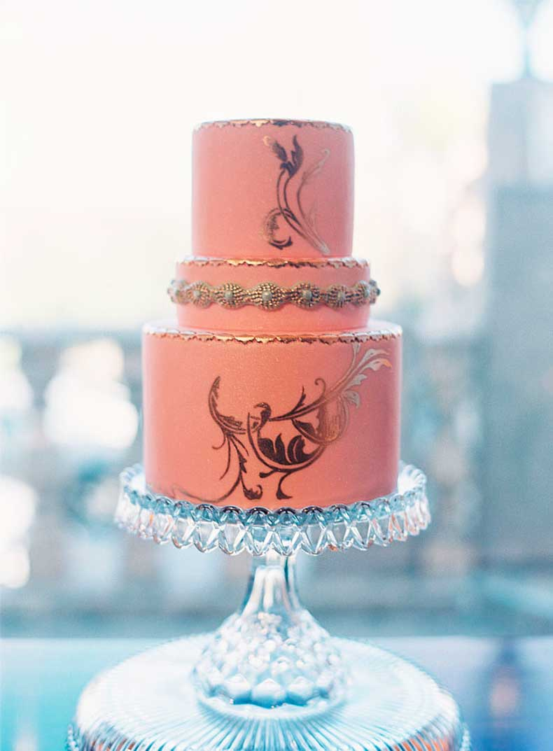 You-can-never-go-wrong-when-pink-meets-gold-stunning-cake