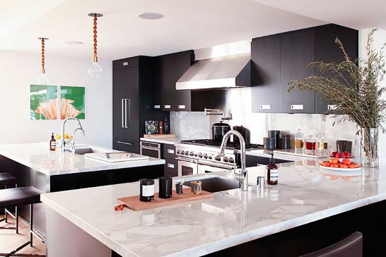 home-tour-a-masculine-modern-home-in-los-angeles-1654554-1455234465.640x0c