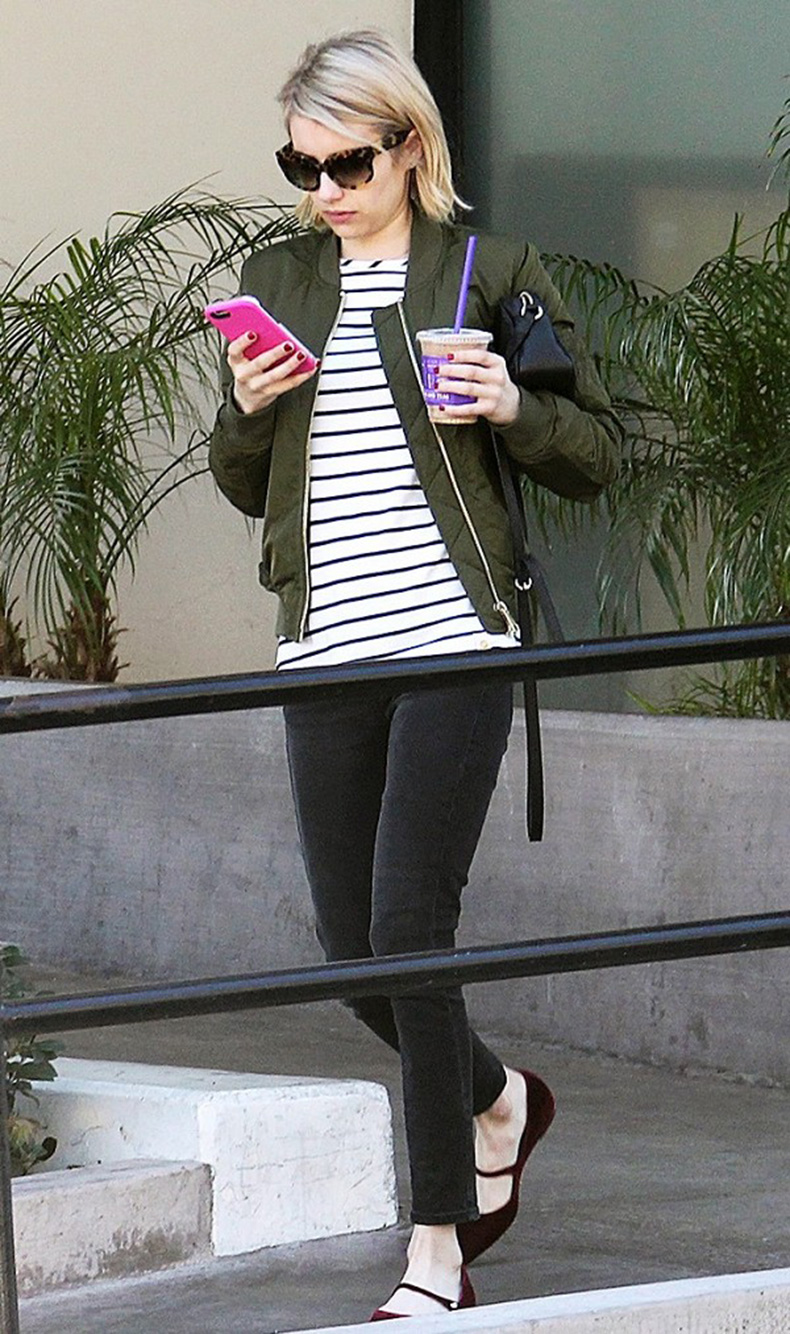 how-it-girls-wear-bomber-jackets-and-you-should-too-1698762-1458160318.600x0c