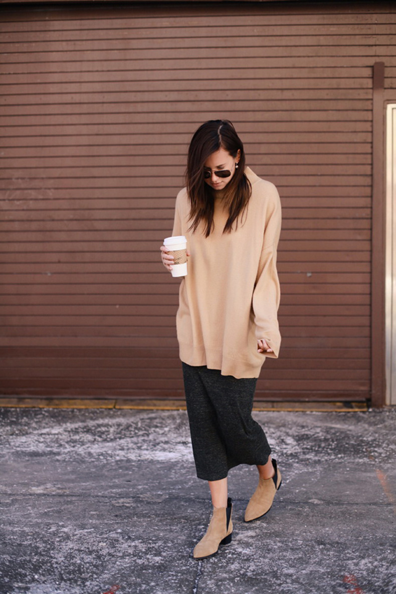Sweaters-and-Midi-Skirts-Fall-Street-Style-Inspiration-6