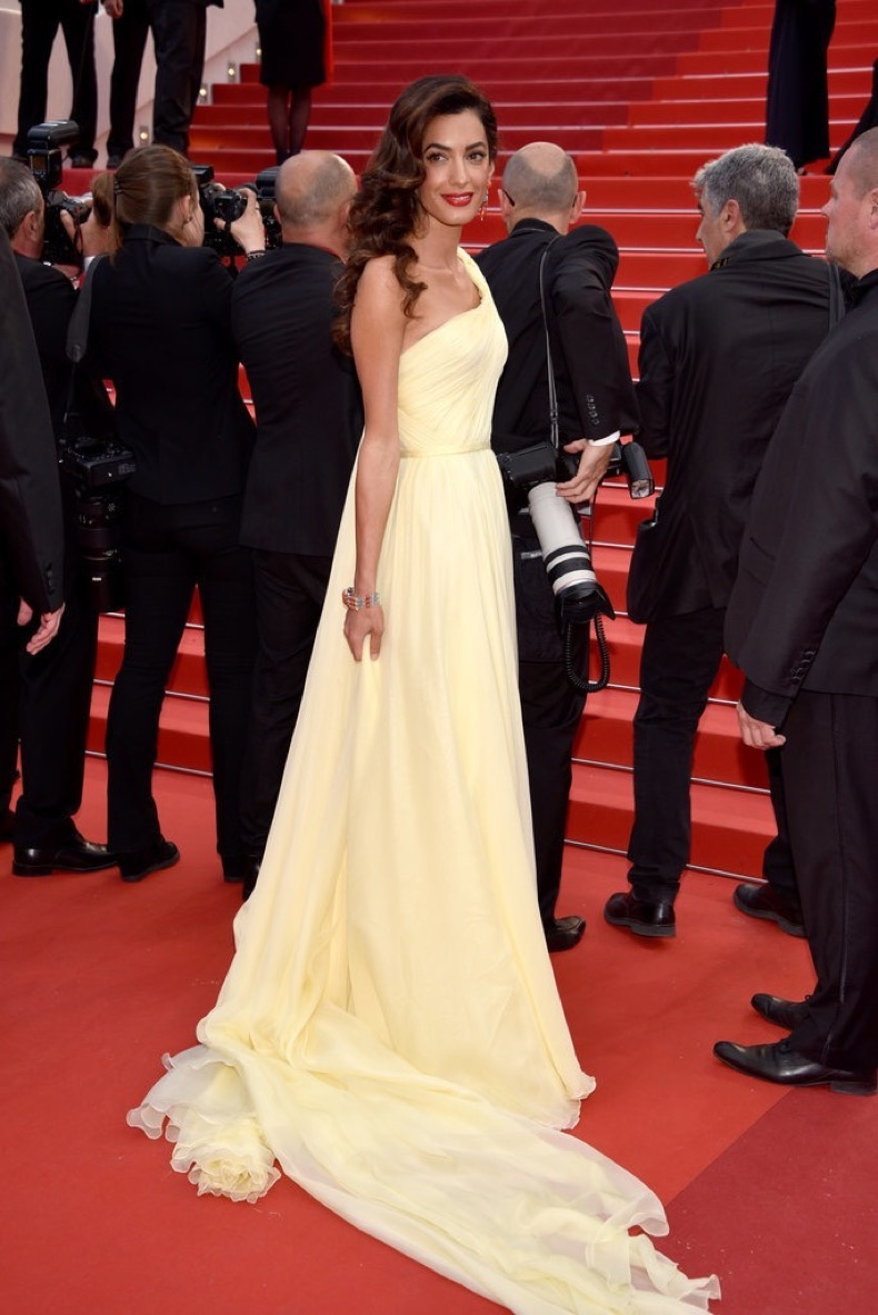Amal-Clooney-looked-like-goddess-one-shouldered-chiffon