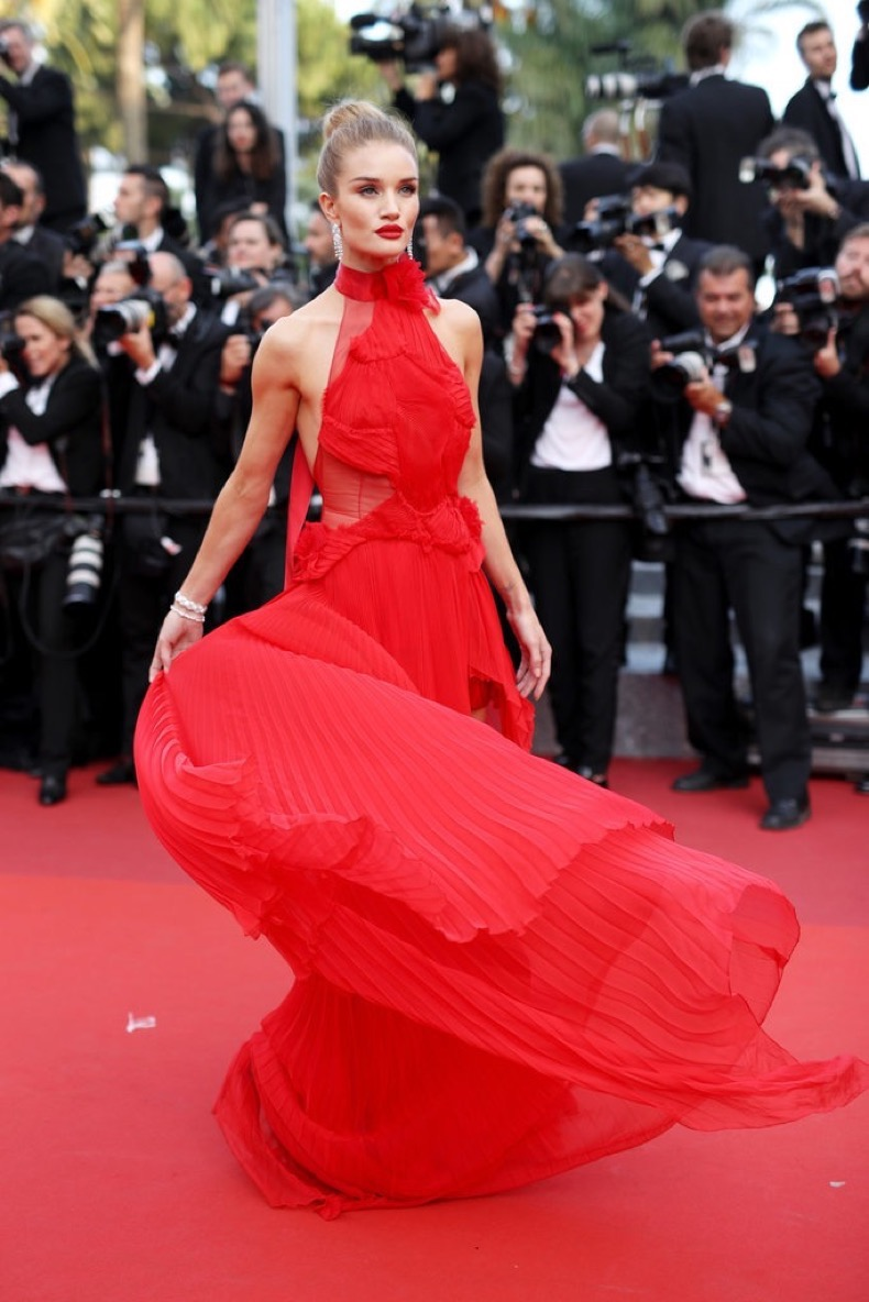 Behold-Rosie-Huntington-Whiteley-gorgeous-red-gown-Unknown