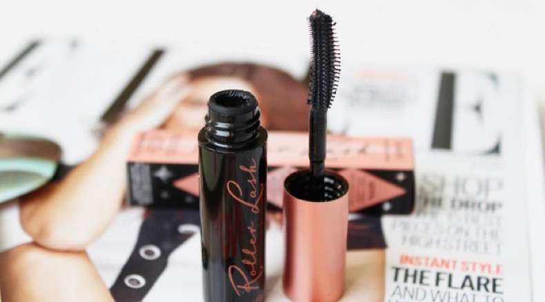 Benefit-Roller-Lash-Mascara-Elle-Magazine-March-2015-Review-Brush-Wand-Applicator-Packagaing--Belle-Amie-UK-Beauty-Fashion-L_zps0cbc6b15