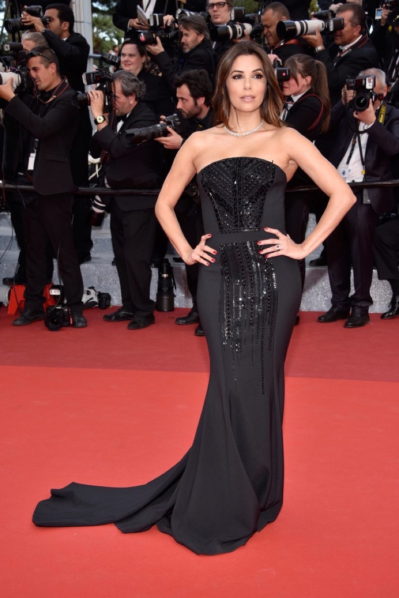 Eva-Longoria-selected-embellished-black-Pamella-Roland-gown