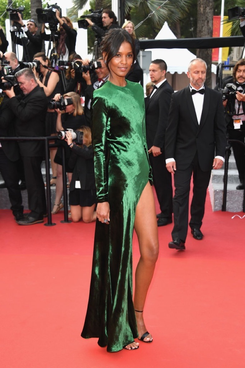 Liya-Kebede-showed-little-leg-emerald-green-gown