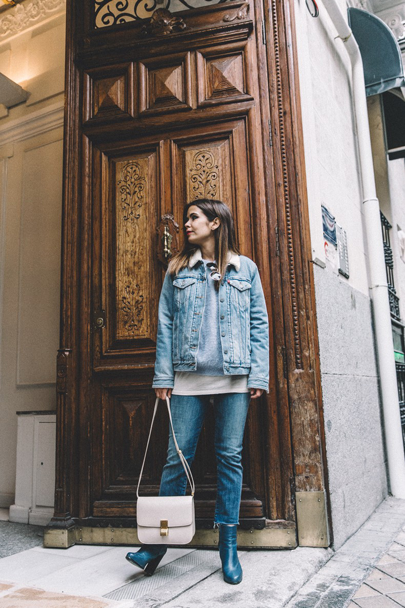 Mother_Jeans-Ripped_Jeans-Light_Blue_Sweater-Denim_Jacket-Levis-Outfit-Blue_Boots-Street_Style-8-790x1185