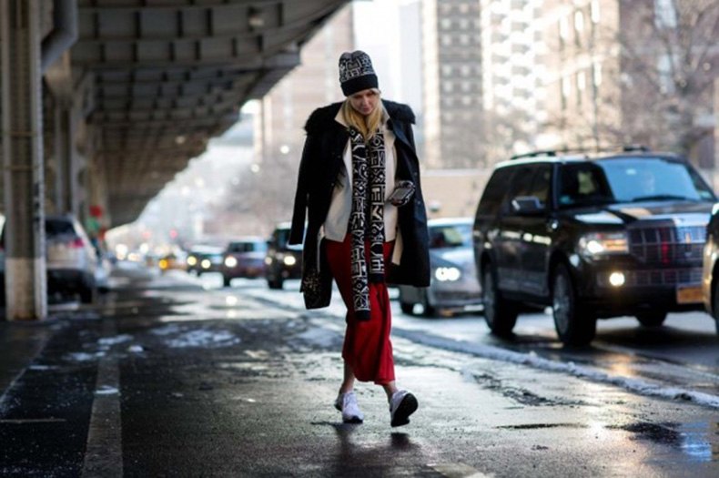 nyfw-double-coats-red-and-black-maxi-skirt-long-midi-winter-accessories-hat-scarf-sneakers-and-skirts-via-thestyleograph-640x425