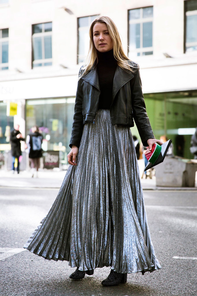 silver-pleated-maxi-skirt-black-turtleneck-black-moto-jacket-office-to-out-maxi-skirt-in-winter-lfw-street-style-psuk
