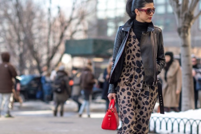 summer-clothes-in-winter-going-out-clothes-turtleneck-under-jumpsuit-leather-moto-jacket-elle.com_-640x426