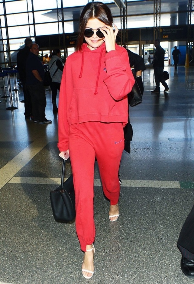 19-times-selena-gomez-proved-shes-a-major-fashion-player-1696565-1458043947.640x0c