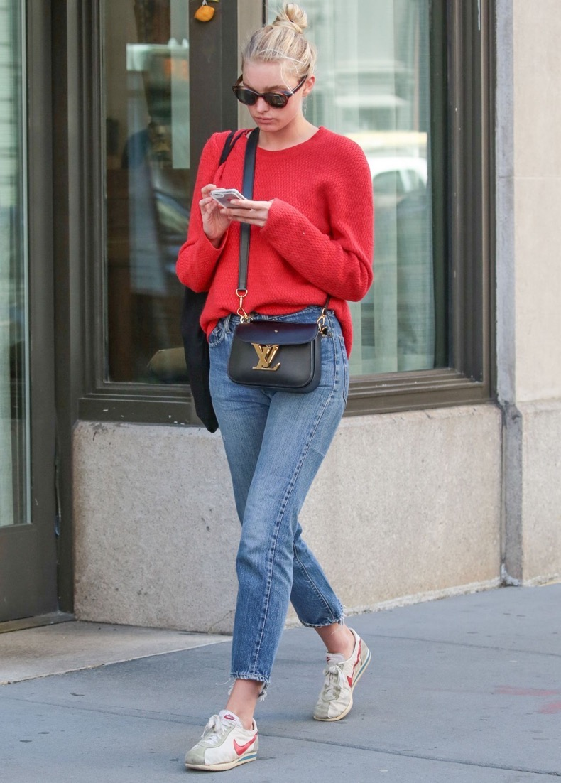 elsa-hosk-street-style-out-in-new-york-city-4-20-2016-1 (1)