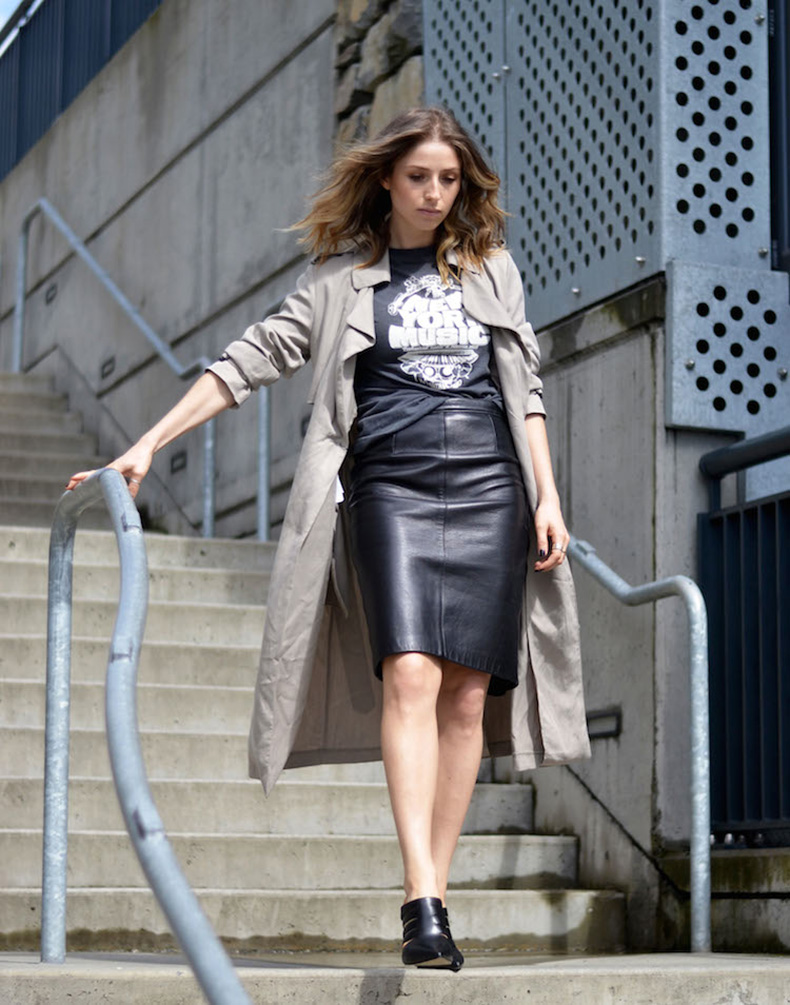 street-style-chic-leather-pencil-skirt-vintage-tshirt-spring-trenchcoat-mules-ombre-hair-the-august-diaries2