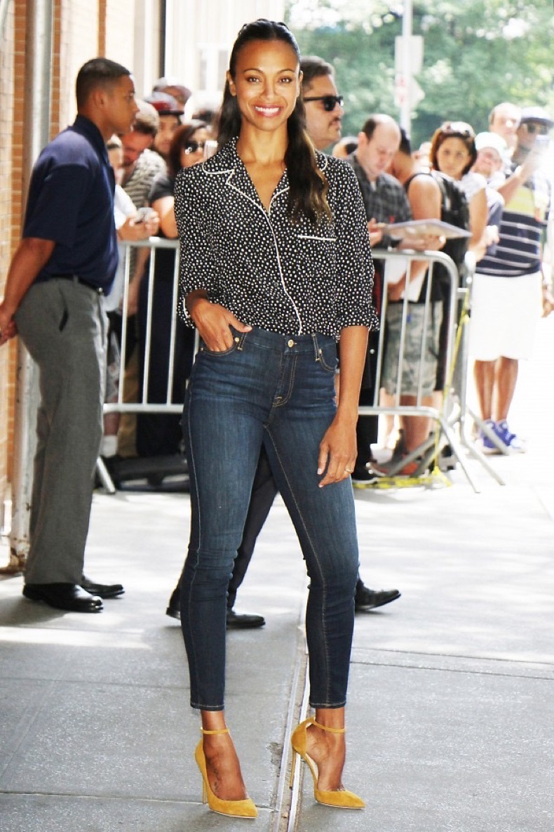 zoe-saldana-just-wore-your-next-chic-work-outfit-1844905-1469159225.640x0c