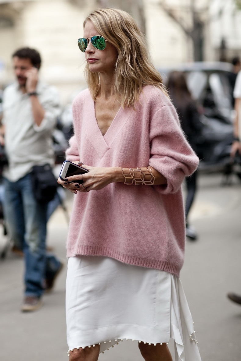 19-Ways-To-Wear-A-Fall-Sweater-Now-Street-Style-Looks-13