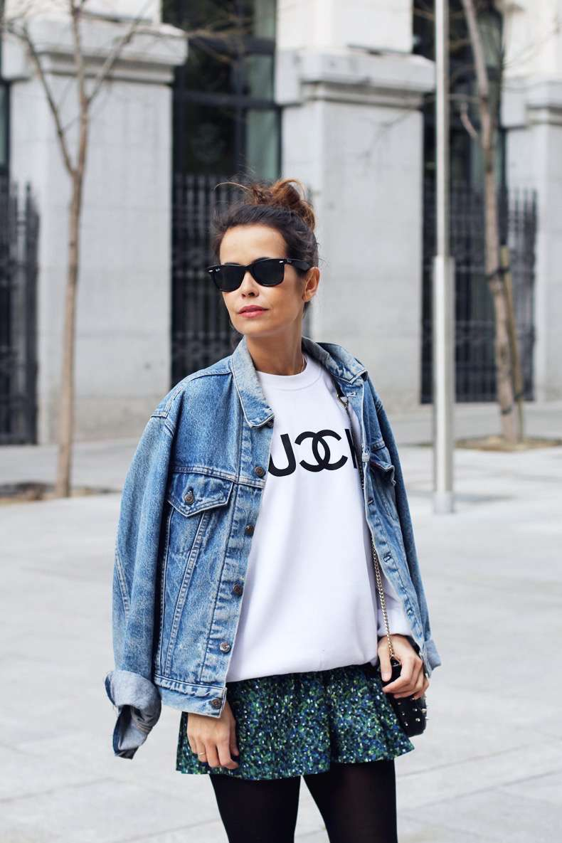 Fuck_Sweatshirt-Denim_Jacket-Levis-Floral_skirt_oliveclothing-Outfit-Street_Style-17