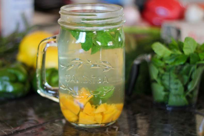 Paleo-Mango-Mint-Iced-Tea-07