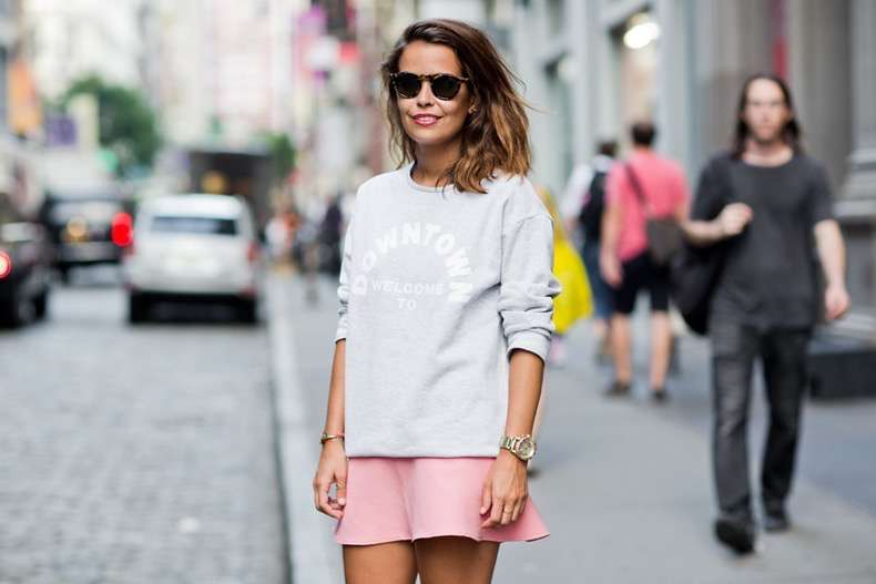 Welcome_to_the_Downtown-CollageVintage-Sweatshirt-Pink_Skirt-NYFW-Street_Style-Outfit-15