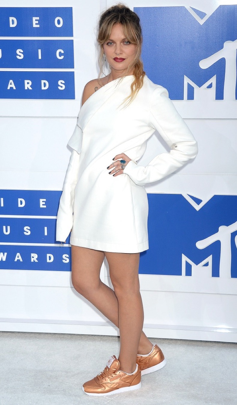 Pictured: Tove Lo Mandatory Credit © Gilbert Flores /Broadimage 2016 MTV Video Music Awards 8/28/16, New York, New York, United States of America Reference: 082816_GFLA_BDG_M_045 Broadimage Newswire Los Angeles 1+  (310) 301-1027 New York      1+  (646) 827-9134 sales@broadimage.com http://www.broadimage.com