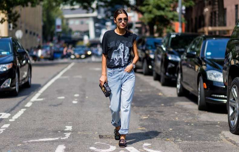 graphic-tees-street-style-trend-fashion-week-spring-2017-6