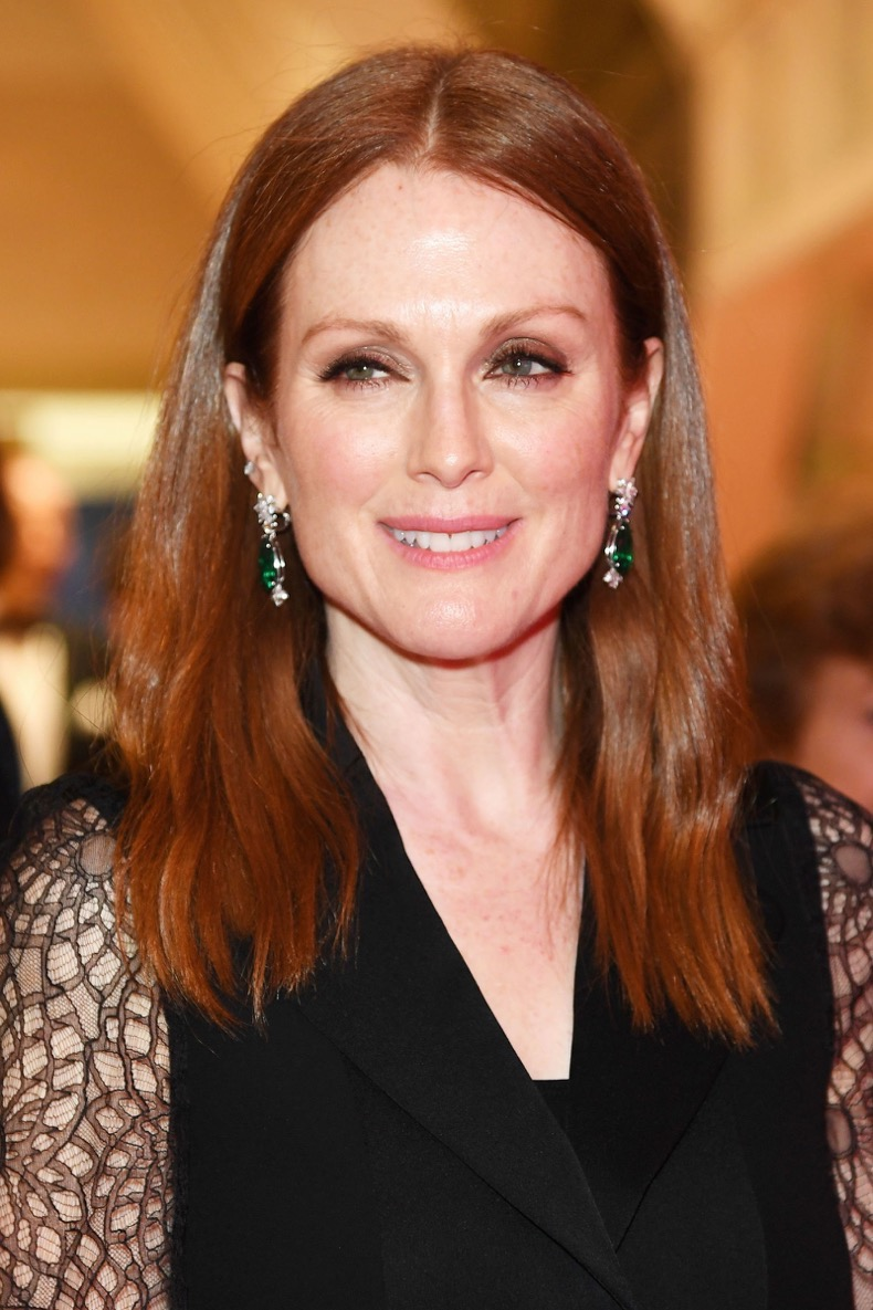 elle-auburn-hair-gettyimages-530777318_-julianne-moore