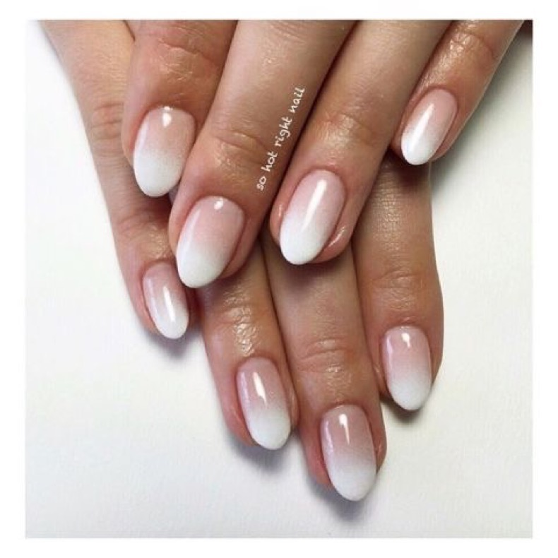 elle-french-tip-nails-manicure-frenchfade