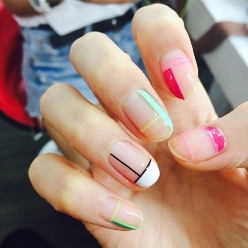 elle-french-tip-nails-manicure-mondrian